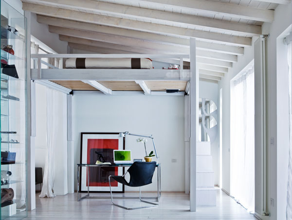 Cinius lit mezzanine rising mezzanine rgable for Bett japanisch