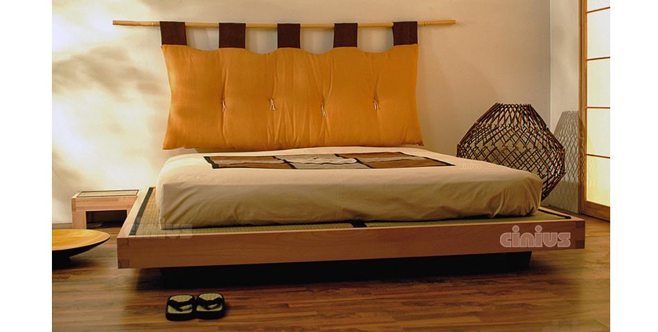 Base Letto Matrimoniale Legno : Letto luna di cinius: struttura sospesa in legno massello con tatami